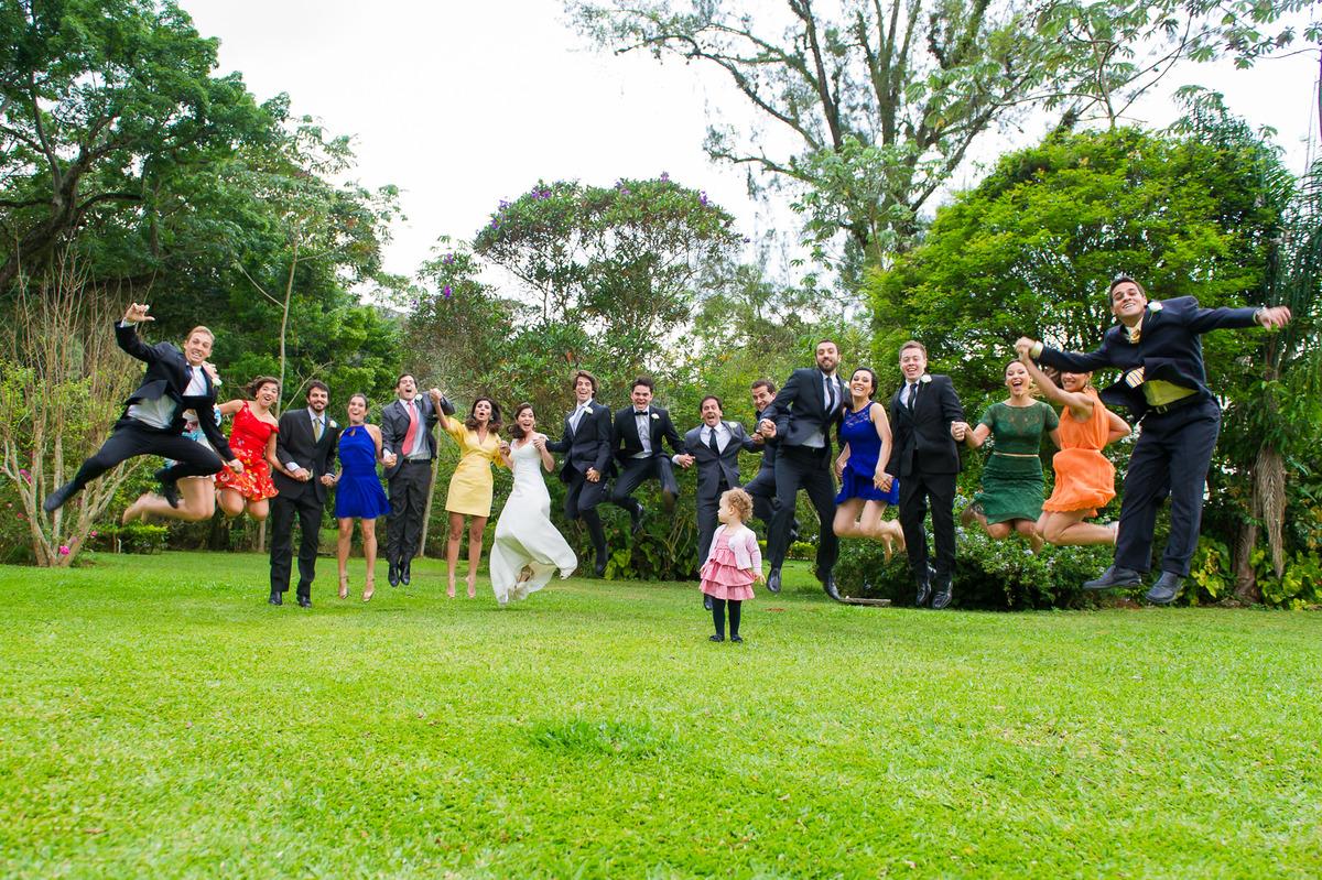 Imagem capa - Fotos com madrinhas e padrinhos por Priscila Rabello