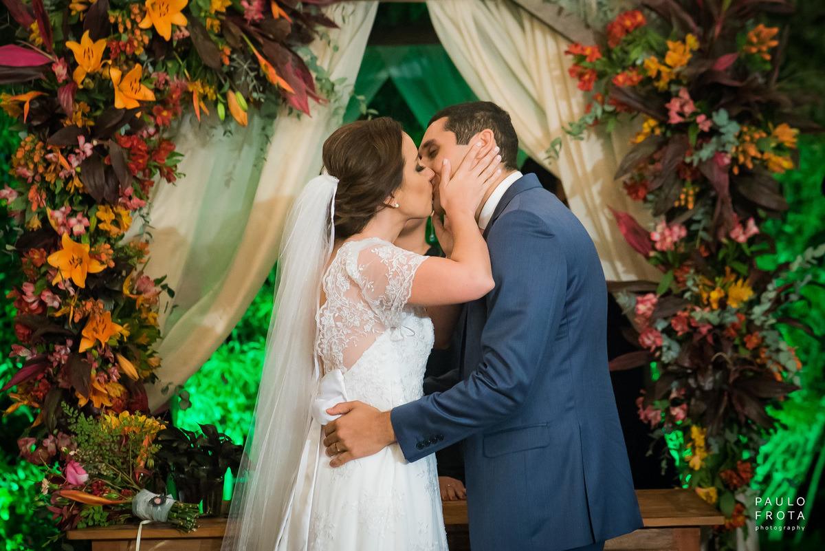 cerimonia no solar imperial, beijo dos noivos