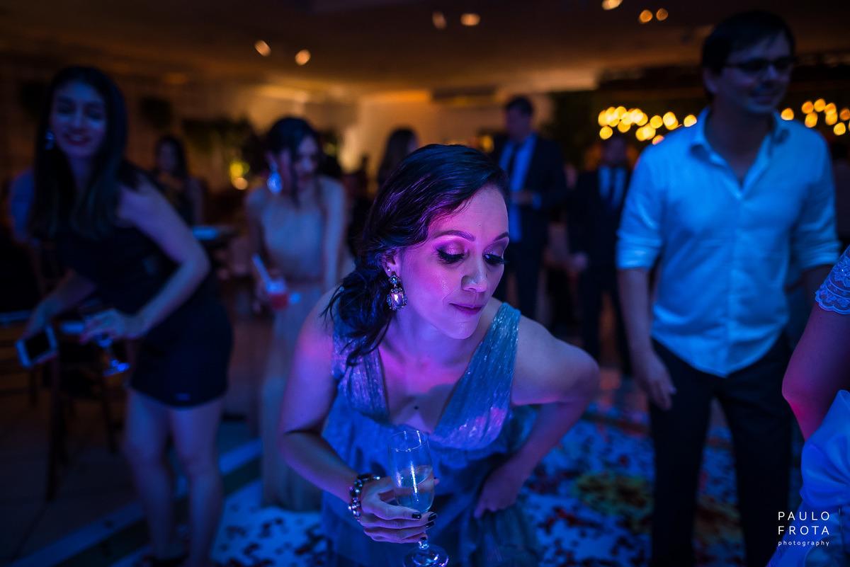 madrinha dançando