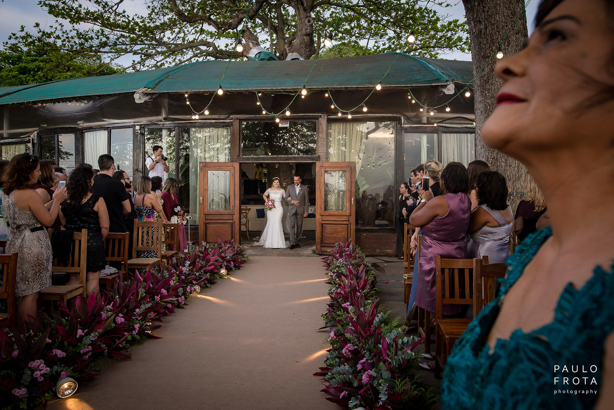 cerimônia zefiro eventos niterói - entrada da noiva