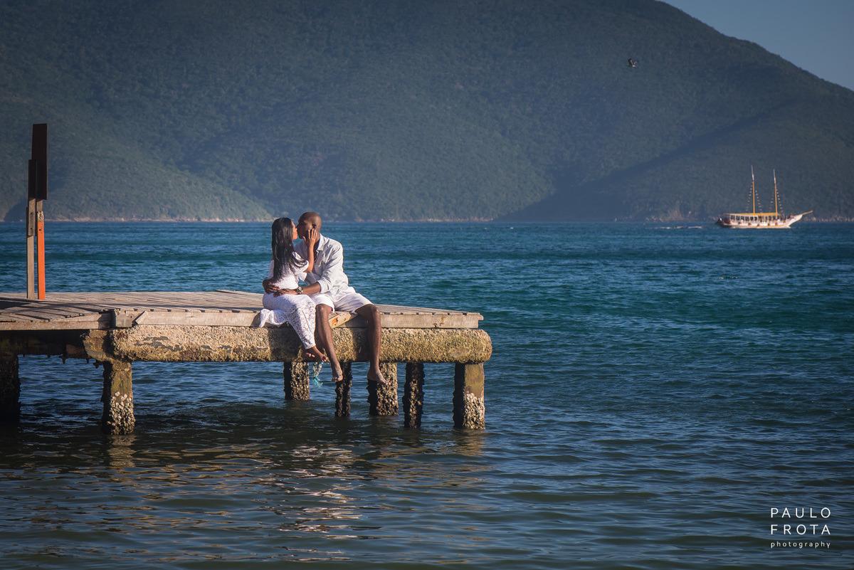 casal no deck, praia do forno
