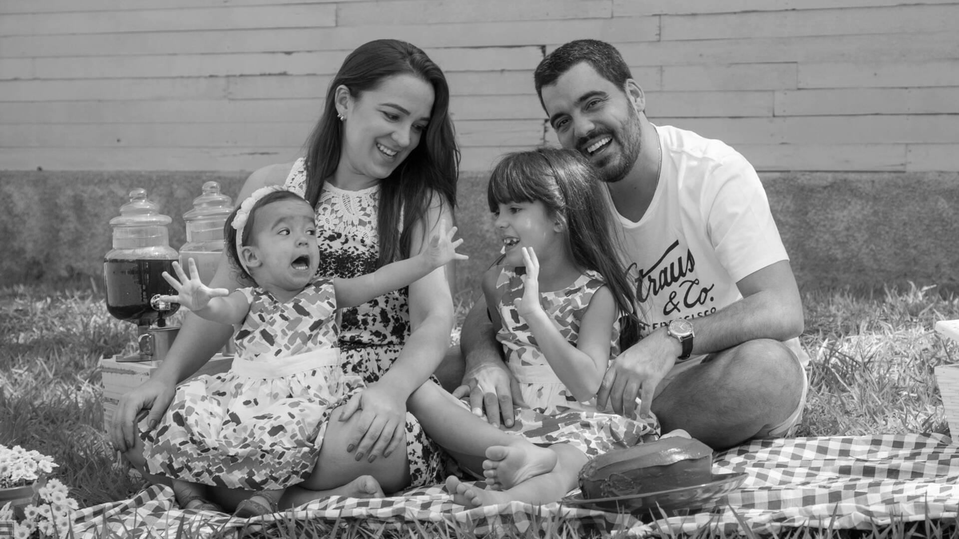 Fotografia Documental de Família de Piquenique em Família