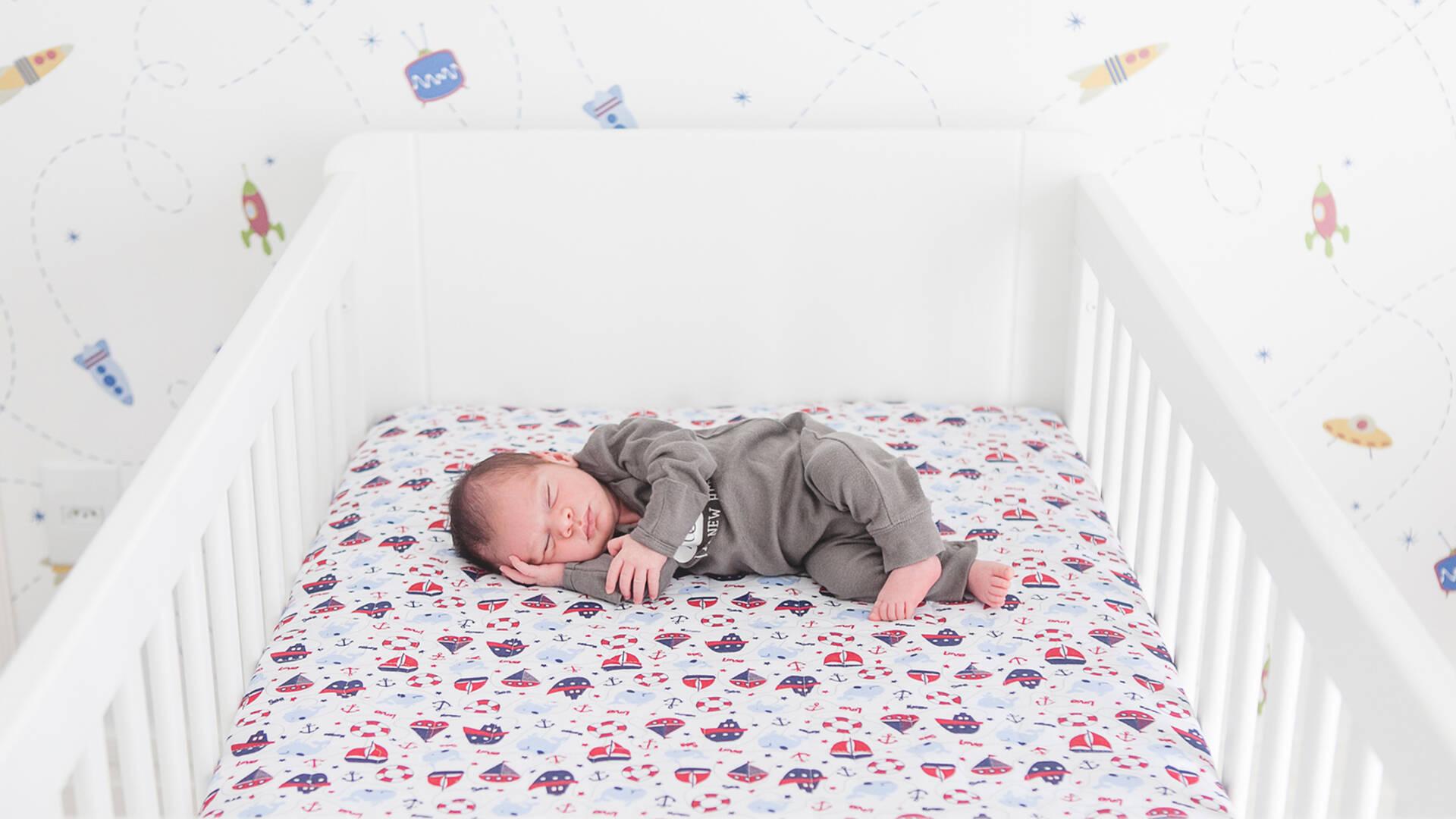 recém-nascido de Daniel - 17 dias