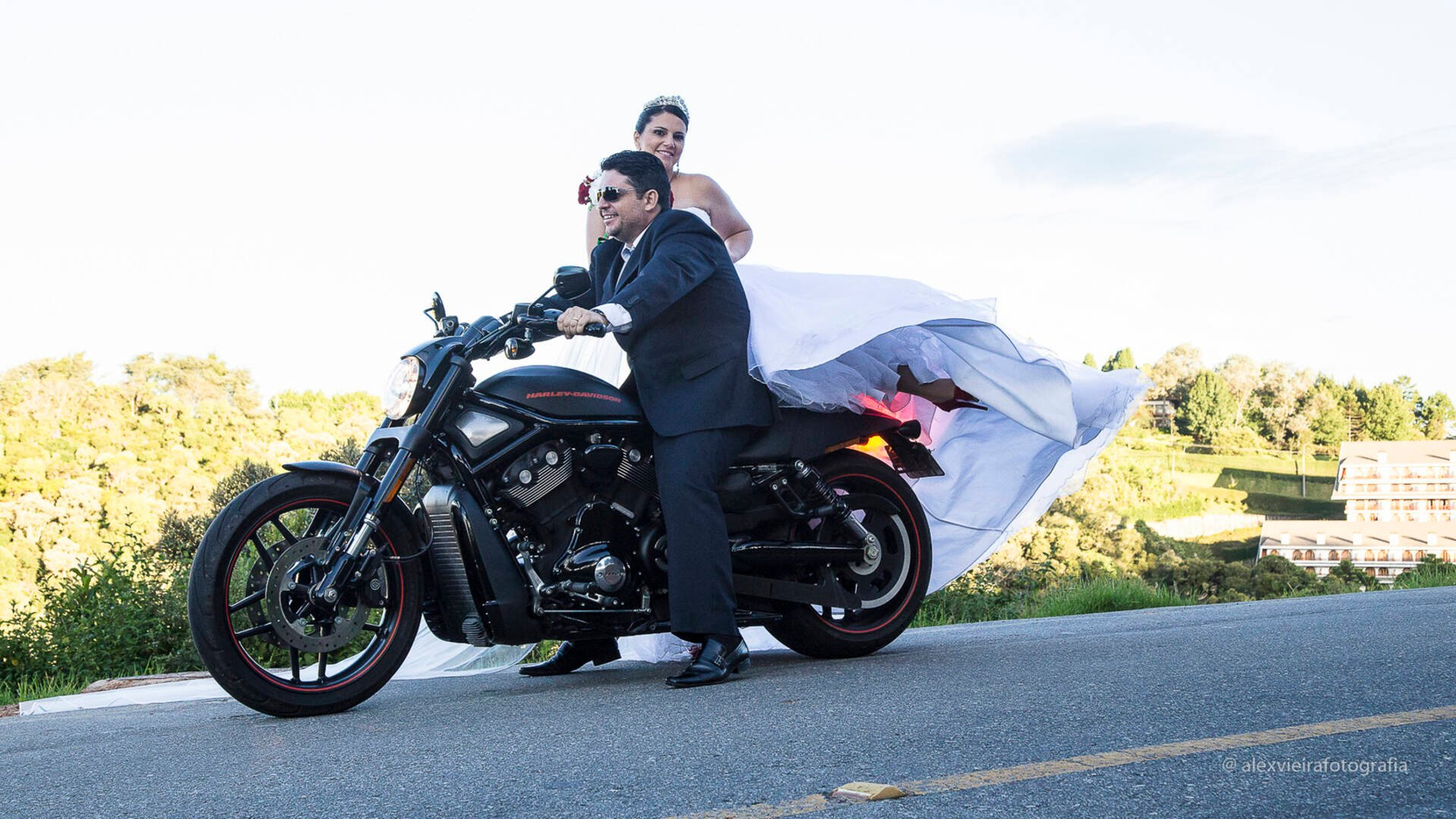 Street Wedding de Simone + Roberto