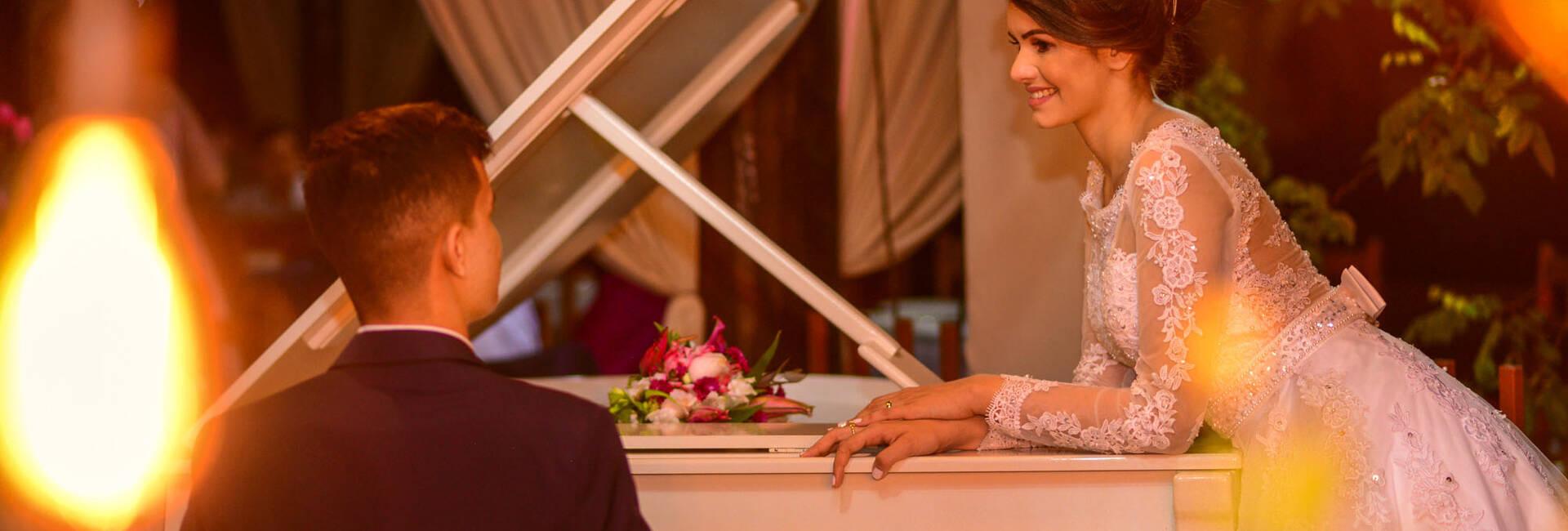 Thamirys e Abner de Casamento