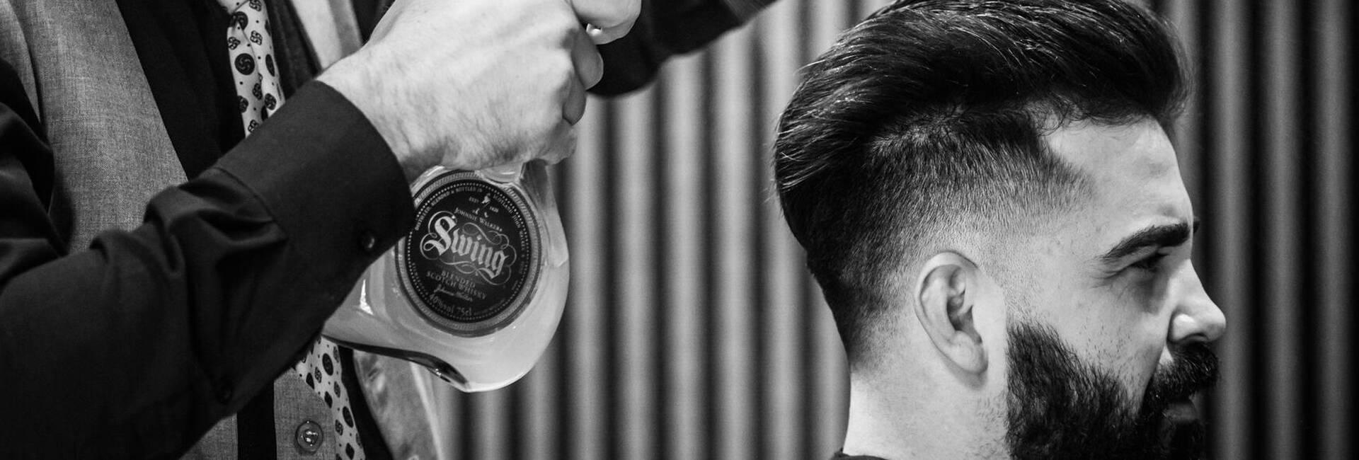 Espaço para homens no Edu Oliveira. de Barbearia Dimis