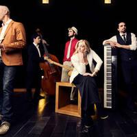 Gabriel, Teclista en Vinatge Jazz Cabaret y Muatie
