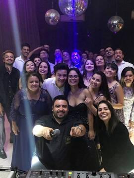 Casamentos de Letícia & Vitor em Casa Bertolazzi