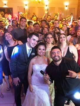 Casamentos de Thais & Mateus em Restaurante Tia Lina