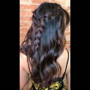 Penteados de Cabelo solto com tranças