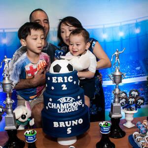 FESTA INFANTIL de Bruno 5 e Eric 2 anos