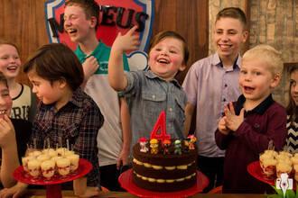 Aniversário Infantil de Aniversário de quatro anos do Mateus