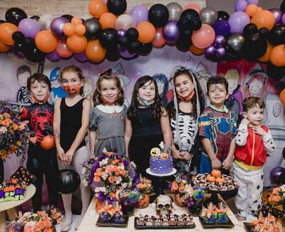 Festa Halloween na casa da Camilla