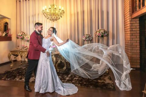 Casamento é algo único e as fotos devem ser únicas e lindas! de Evelyn & Fernando