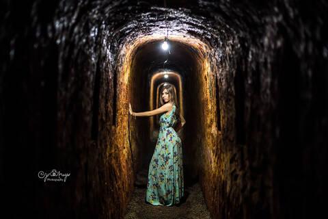 Ensaio 15 Anos (adega subterrâneo)  de Laisa Marchiori