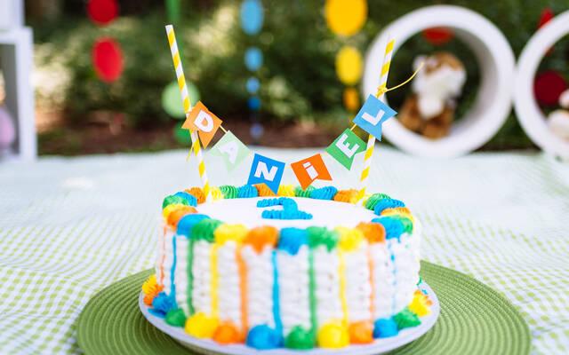 Infantil: Perguntas e respostas sobre o ensaio smash the cake (amassar o bolo) por W&W Fotografia