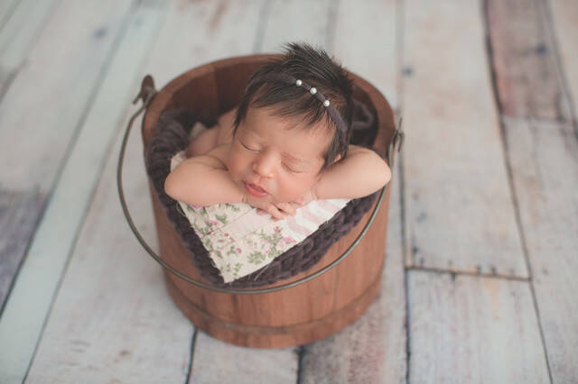 Newborn Sessions of Laura