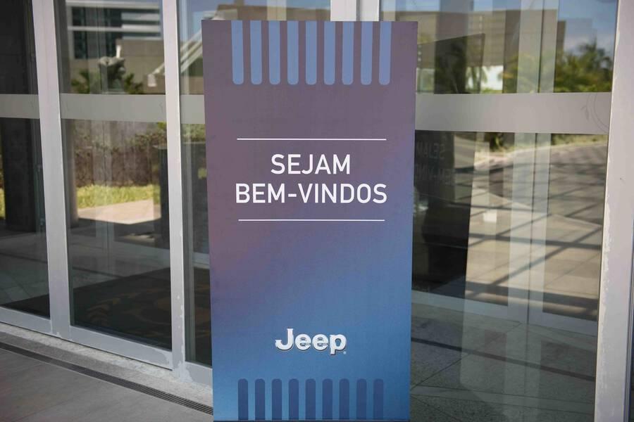 0c0209cb3d221 Nova coleção Emporio Armani. Eventos Corporativos Recife -PE Veja mais 506  90. Eventos Corporativos de Lançamento Mundial da Jeep   Fiat