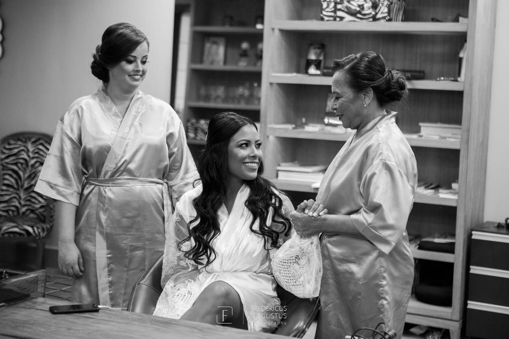 A noiva Júnia com seus familiares no Dia da Noiva na Lutt & Kakau Lopes Beauty Space