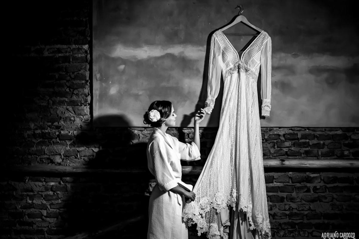 noiva e vestido manga longa