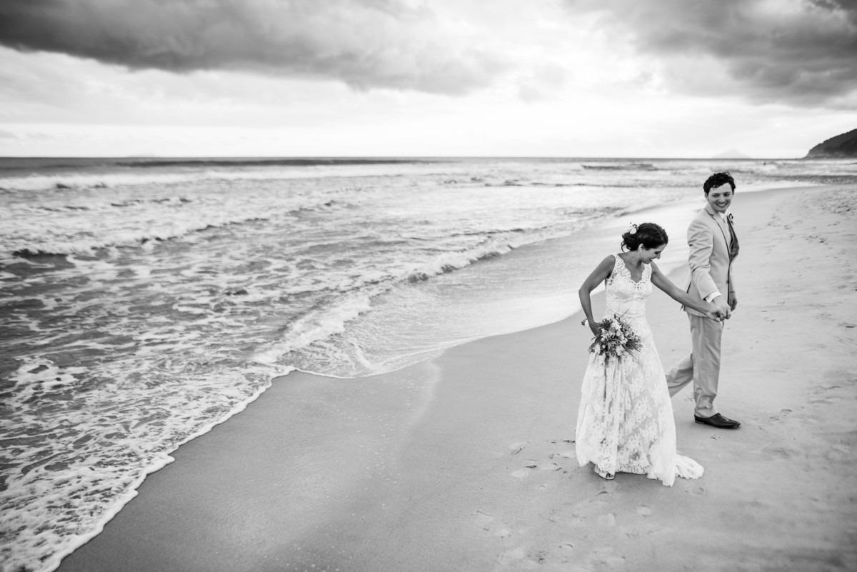 casamento na praia maresias sp destination wedding