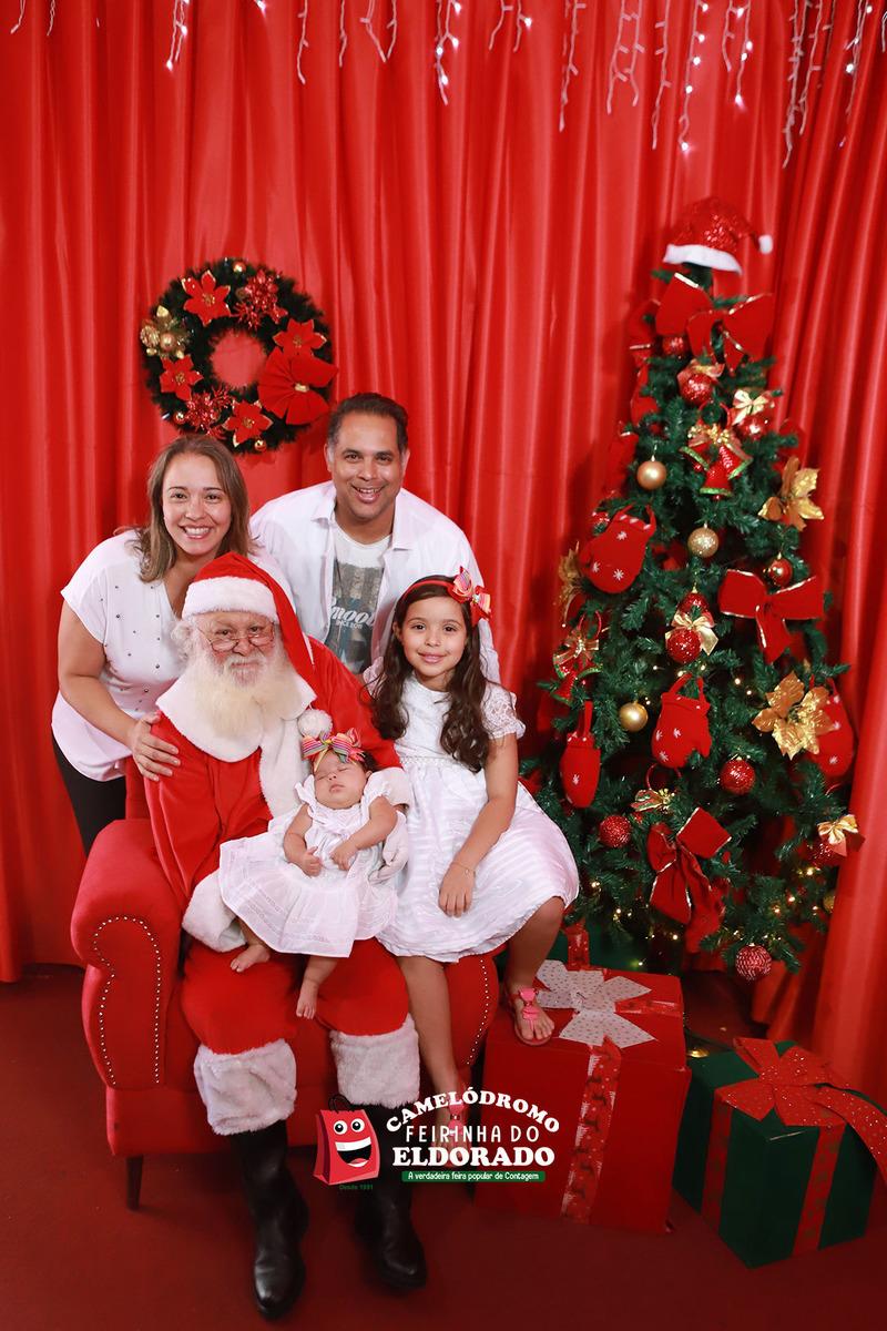 Papai Noel e as Noeletes com a minha família na Feirinha da Feira