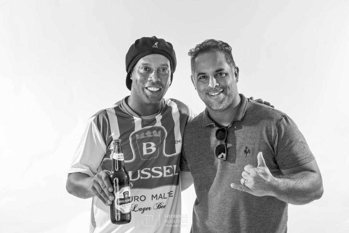 Fotografei Ronaldinho Gaúcho o garoto propaganda da Cerveja Brussels com o fotógrafo Fredericus Augustus