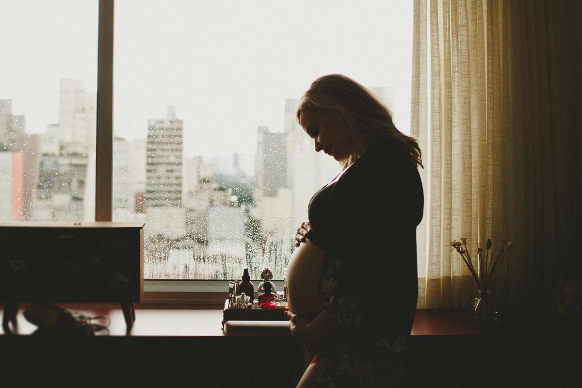 Julie está pronta para os desafios de ser mãe solo