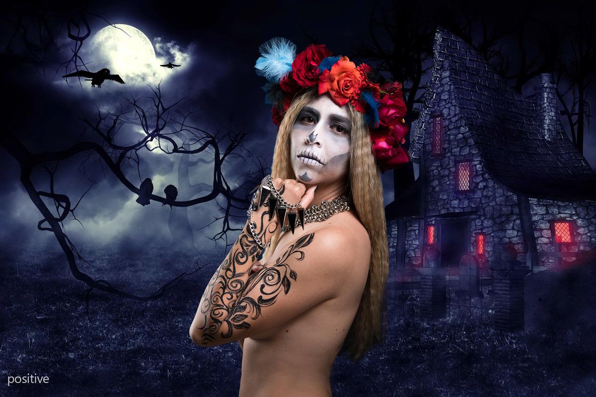 Catrina de noche, con luna llena y cuervos