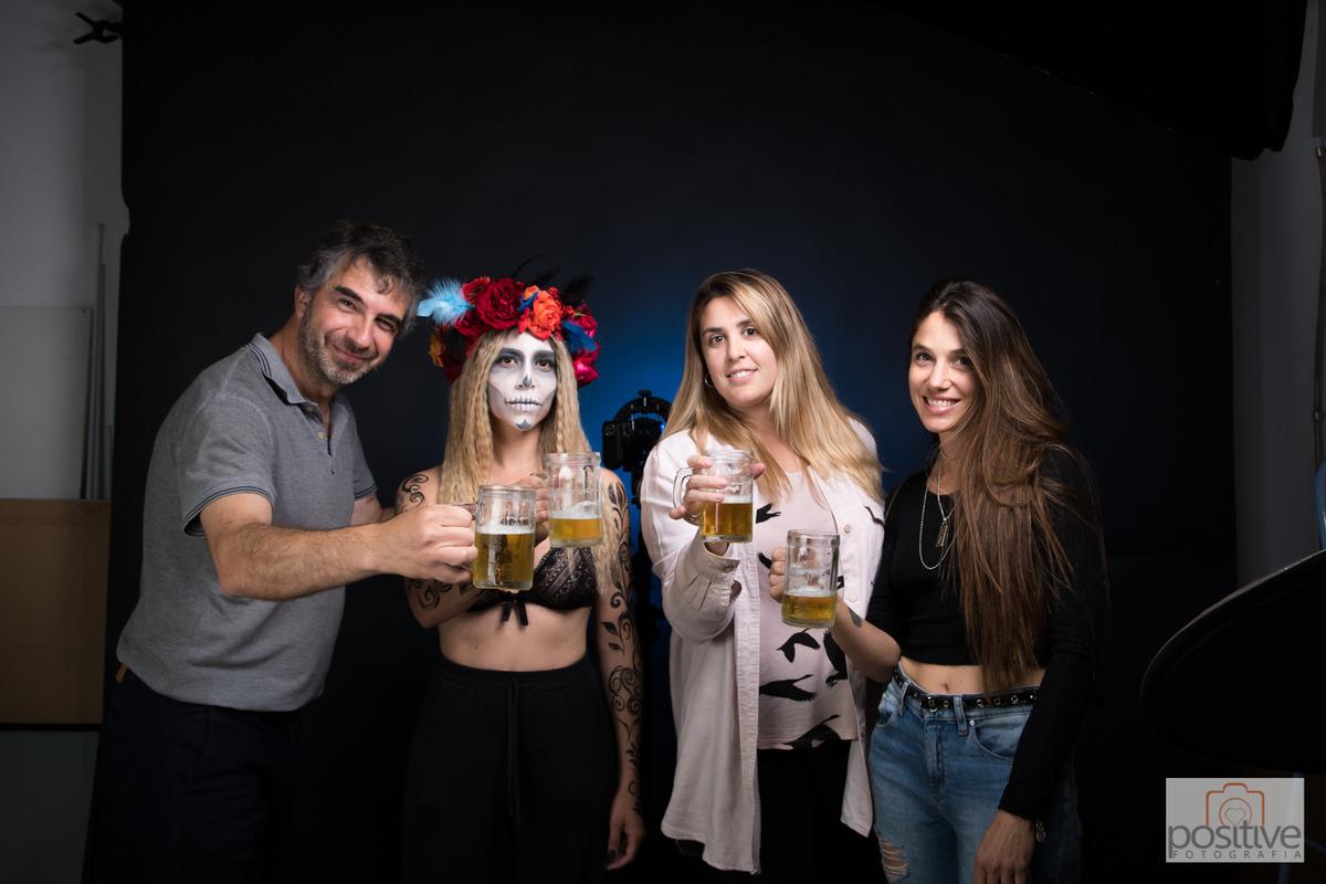 Cristian Moriñigo, Romina Orellana, Anita Avoledo y Guillermina Ziraldo en Positive