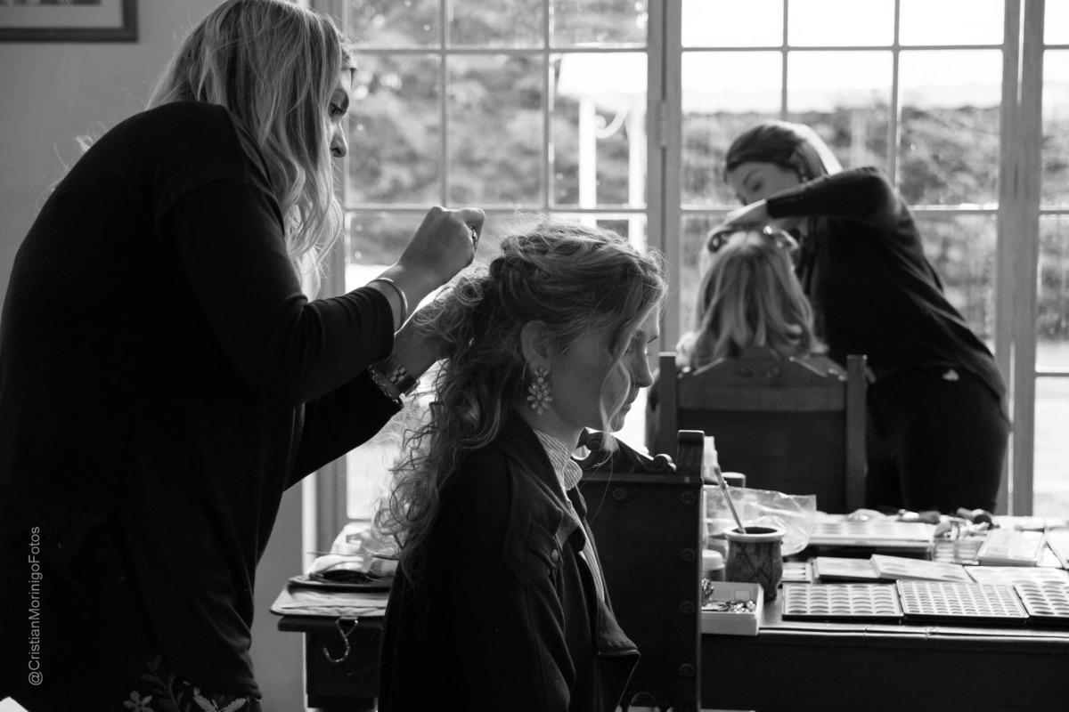 la peluquera estilista Anita Avoledo y la maquilladora Aneley Pilón