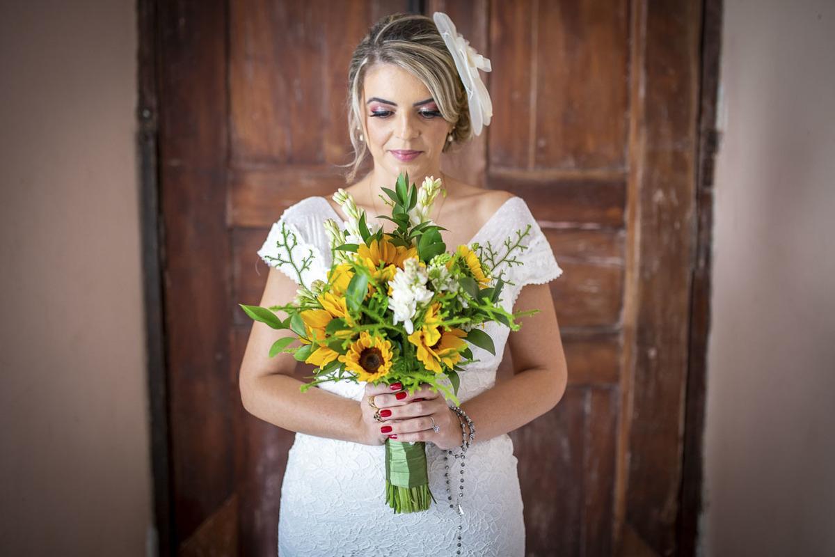 noiva-segurando-buquet-casamento-campinas