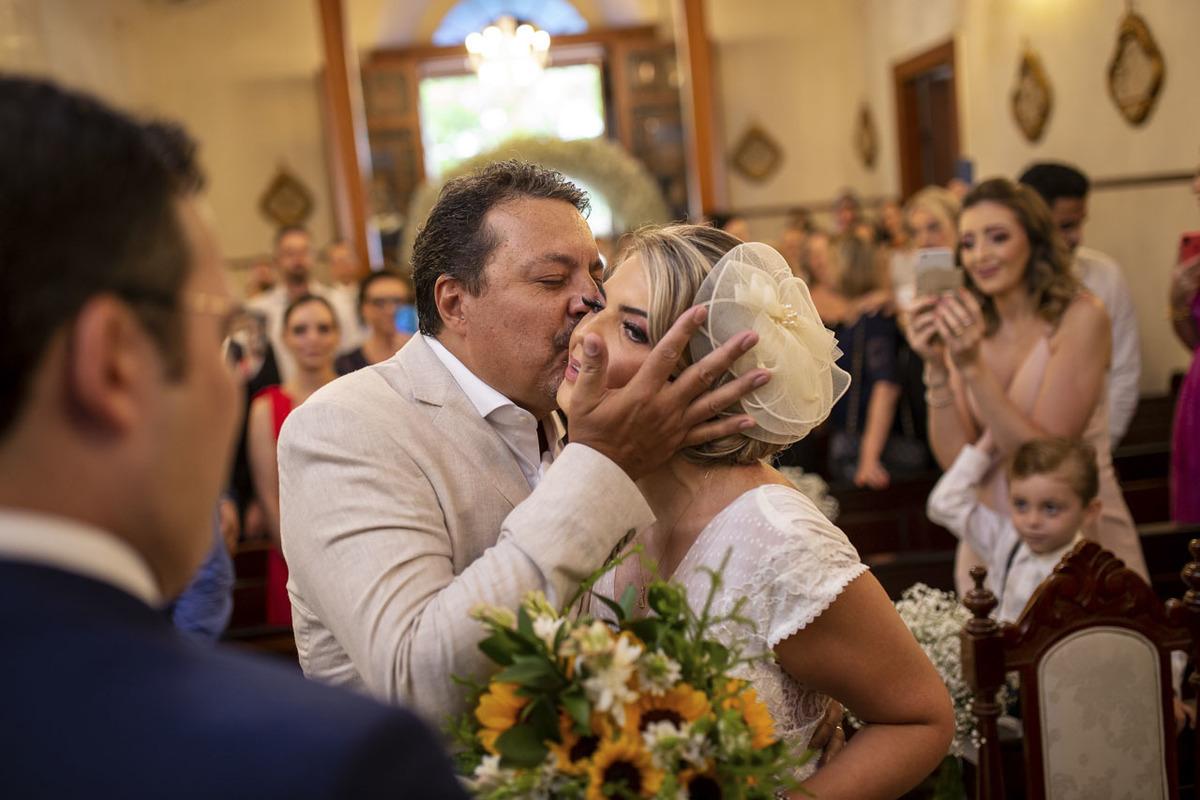 pai-beijando-noiva-capela-santa-cruz-campinas