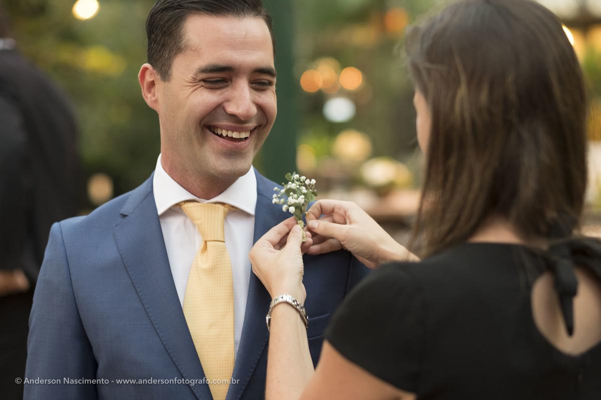 noivo-lapela-flor-casamento-casa-da-fazenda-do-morumbi
