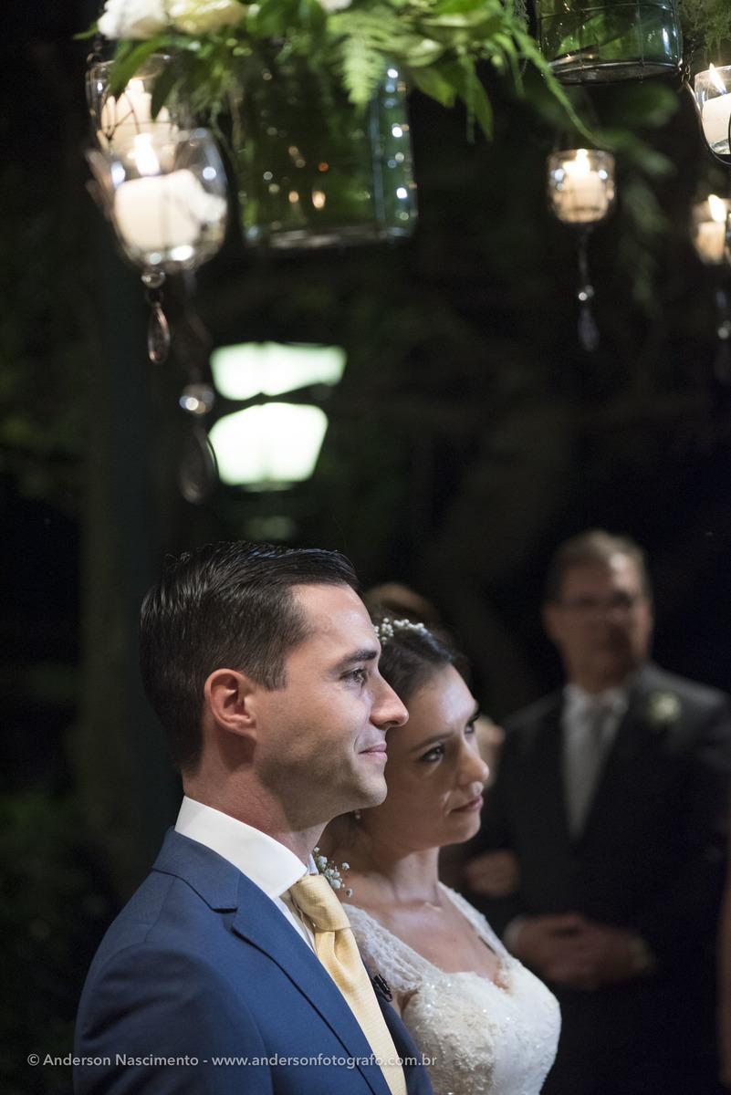 noivos-durante-cerimonia-casamento