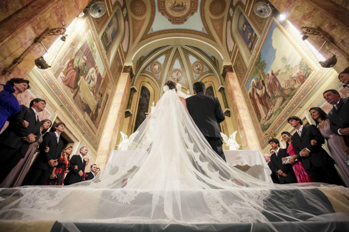 Veu-Noiva-em-casamento-Paroquia-Santa-Teresinha-Higienopolis