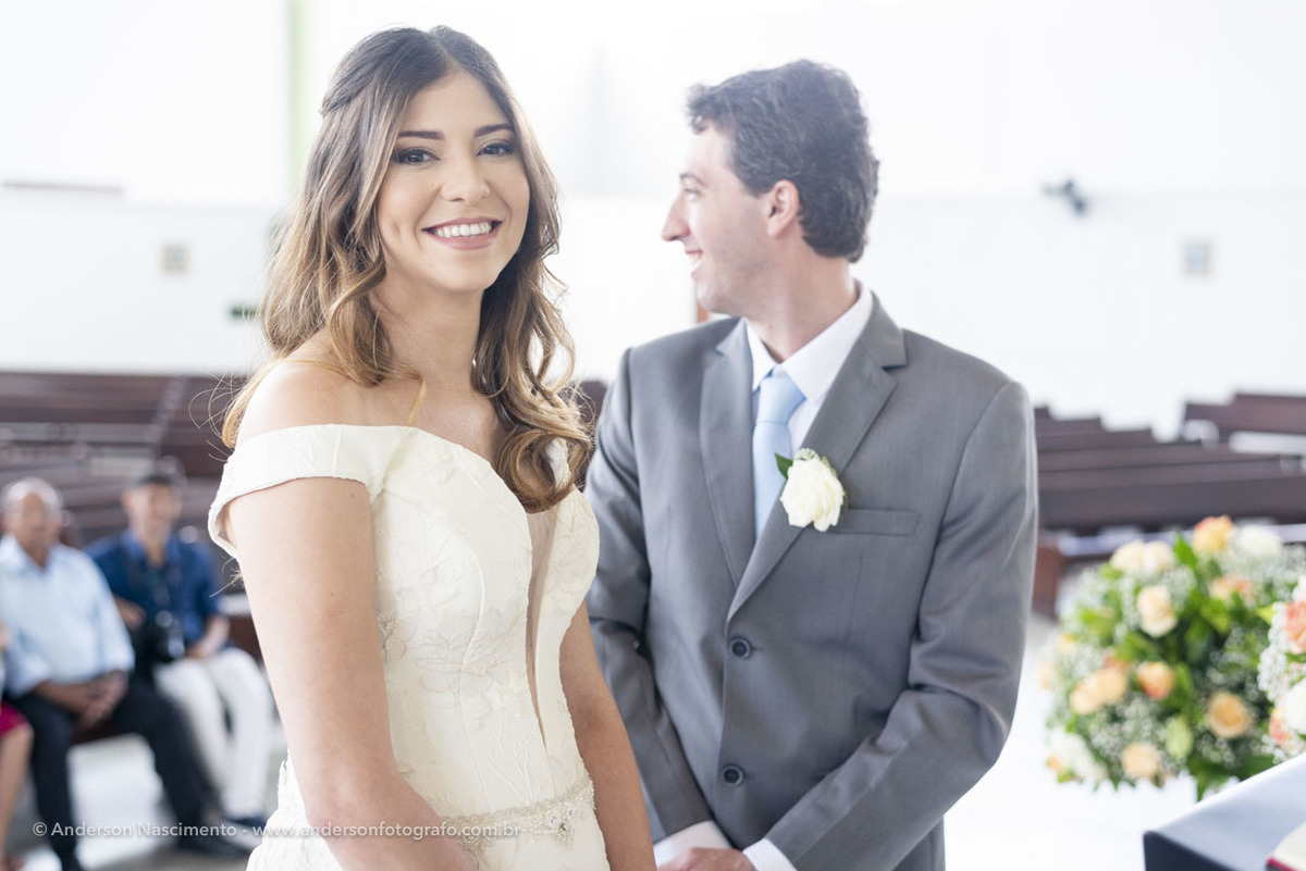 noiva-sorrindo-casamento-sao-patricio