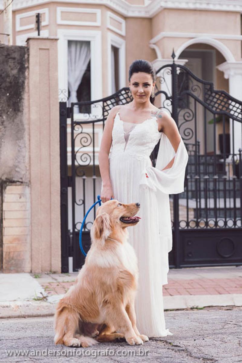 noiva-com-seu-cachorro-na-coleira-ensaio-fotografico