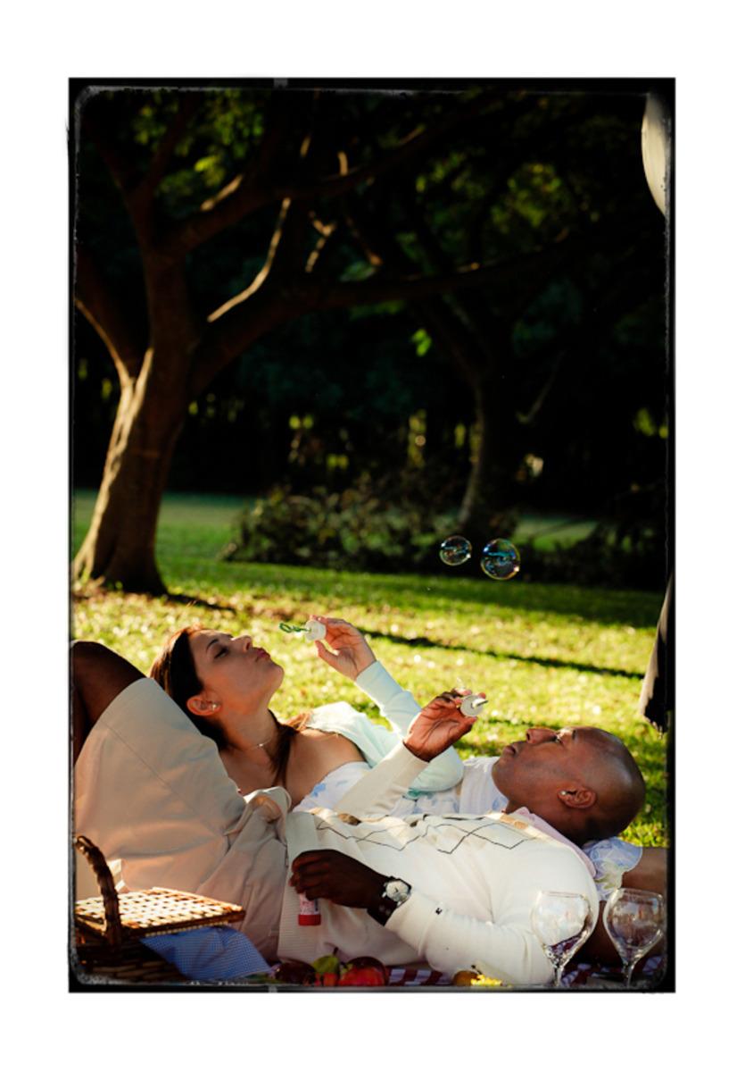 casal-somprando-bolinhas-de-sabao-parque-villa-lobos