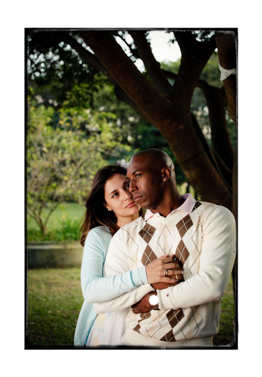 ensaio-fotografico-casal-abraca-parque-villa-lobos