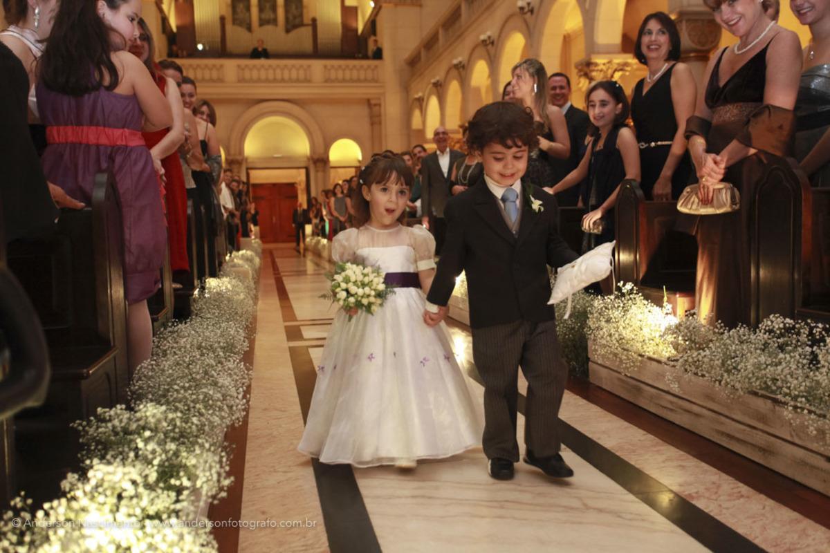 entrada-pajens-casamento-capela-do-sion