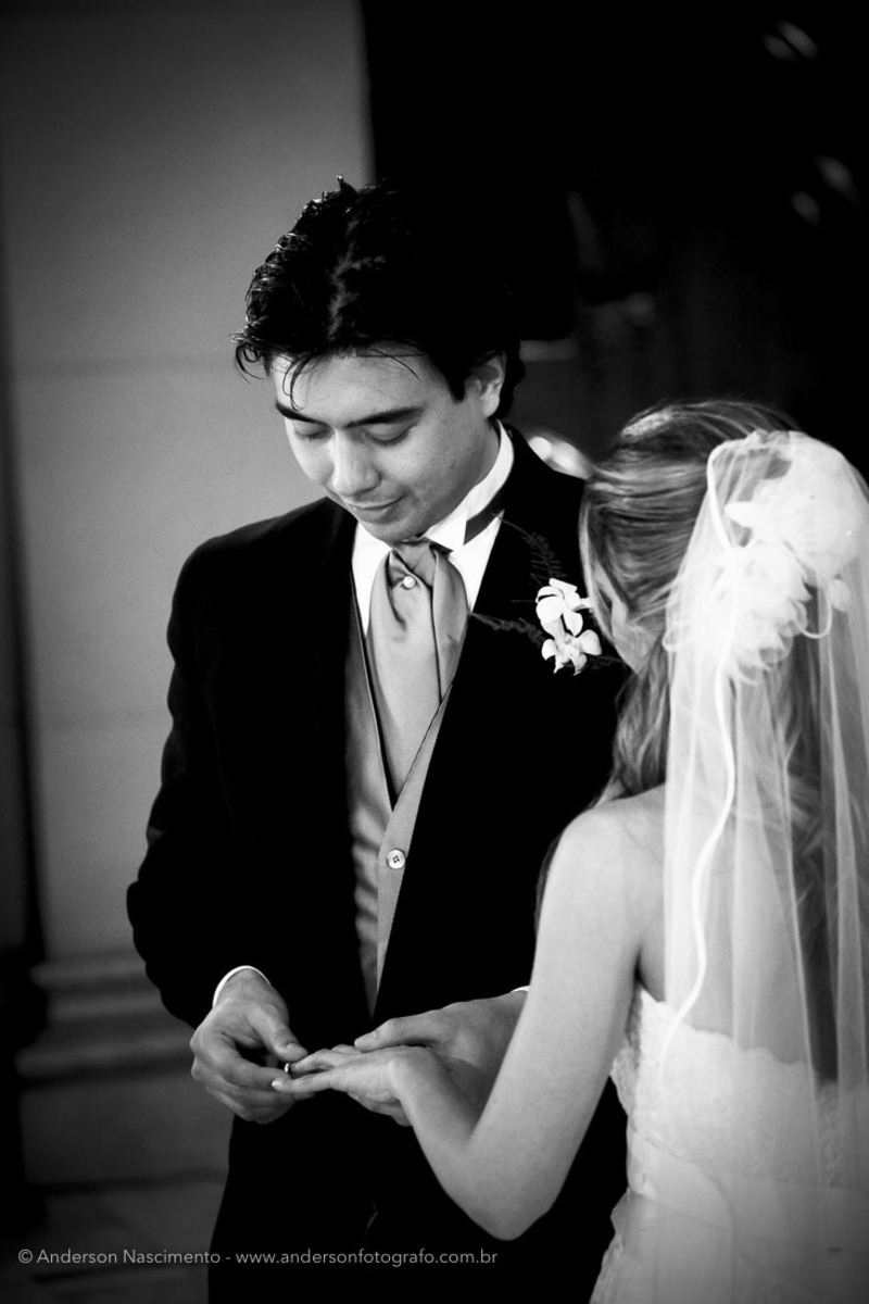 troca-aliancas-noivo-casamento-capela-do-sion