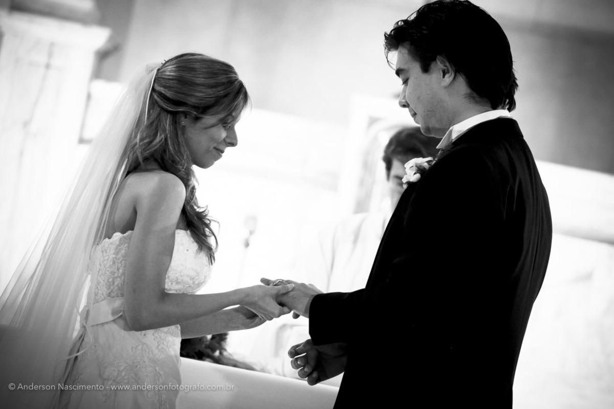 troca-aliancas-noiva-casamento-capela-do-sion