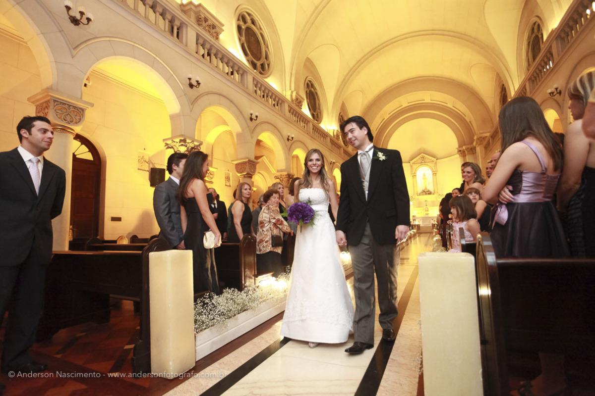 saida-noivos-casamento-capela-do-sion