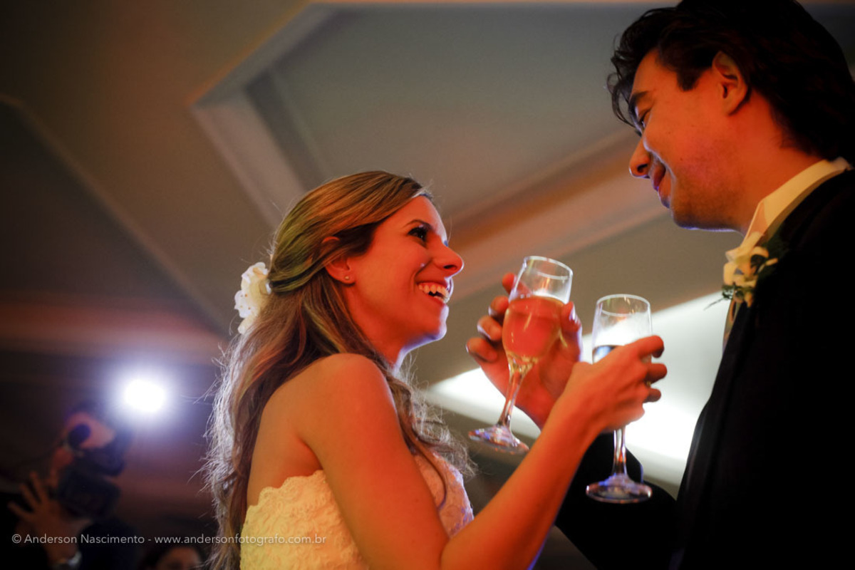 brinde-noivos-festa-casamento-clube-portugues-perdizes