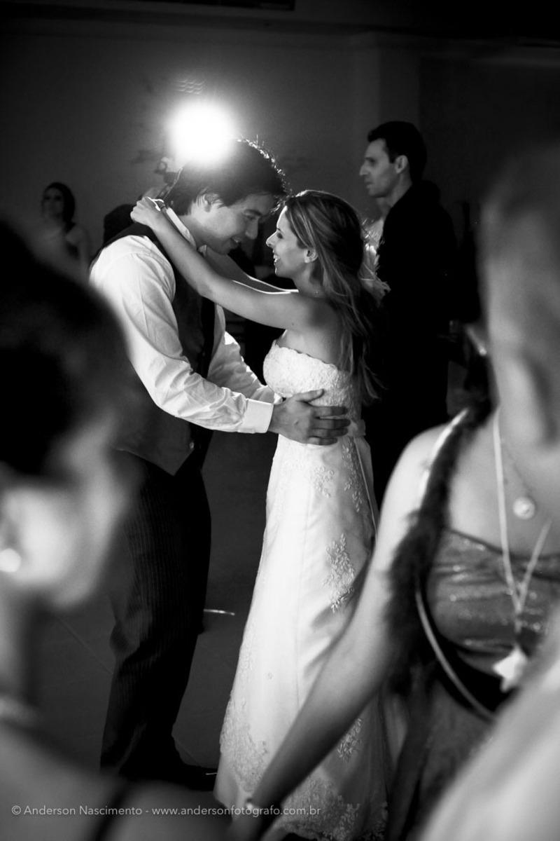 1noivos-dancando-casamento-clube-portugues-perdizes