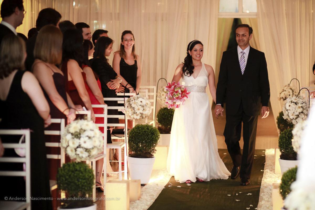 entrada-noiva-casamento-buffet-pinheiros
