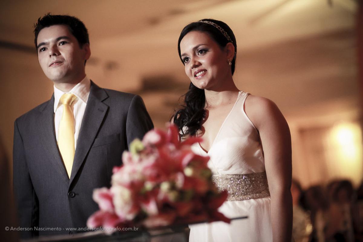 casal-noivos-celebracao-casamento