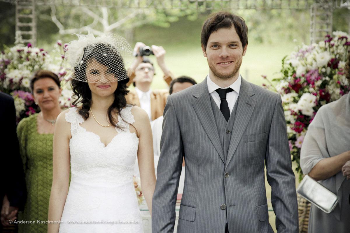 noivos-casados-buffet-espaco-natureza