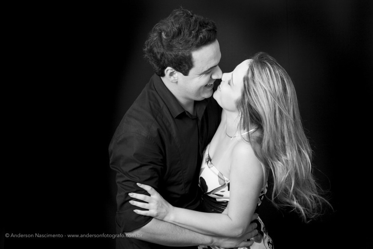 casal-se-divertindo-ensaio-fotografico-sp